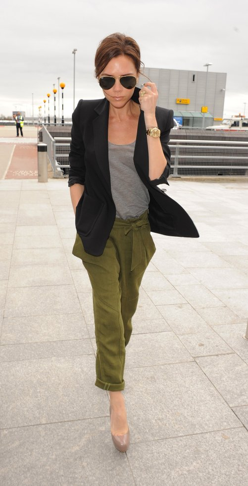 photos-victoria-beckham-heathrow